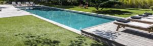 bureau d'études extérieurs avec terrasse et piscine