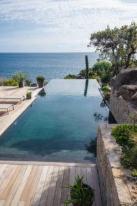 creation et plan d'aménagement de piscines extérieures