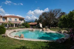 plan d'aménagement extérieur jardin avec piscine